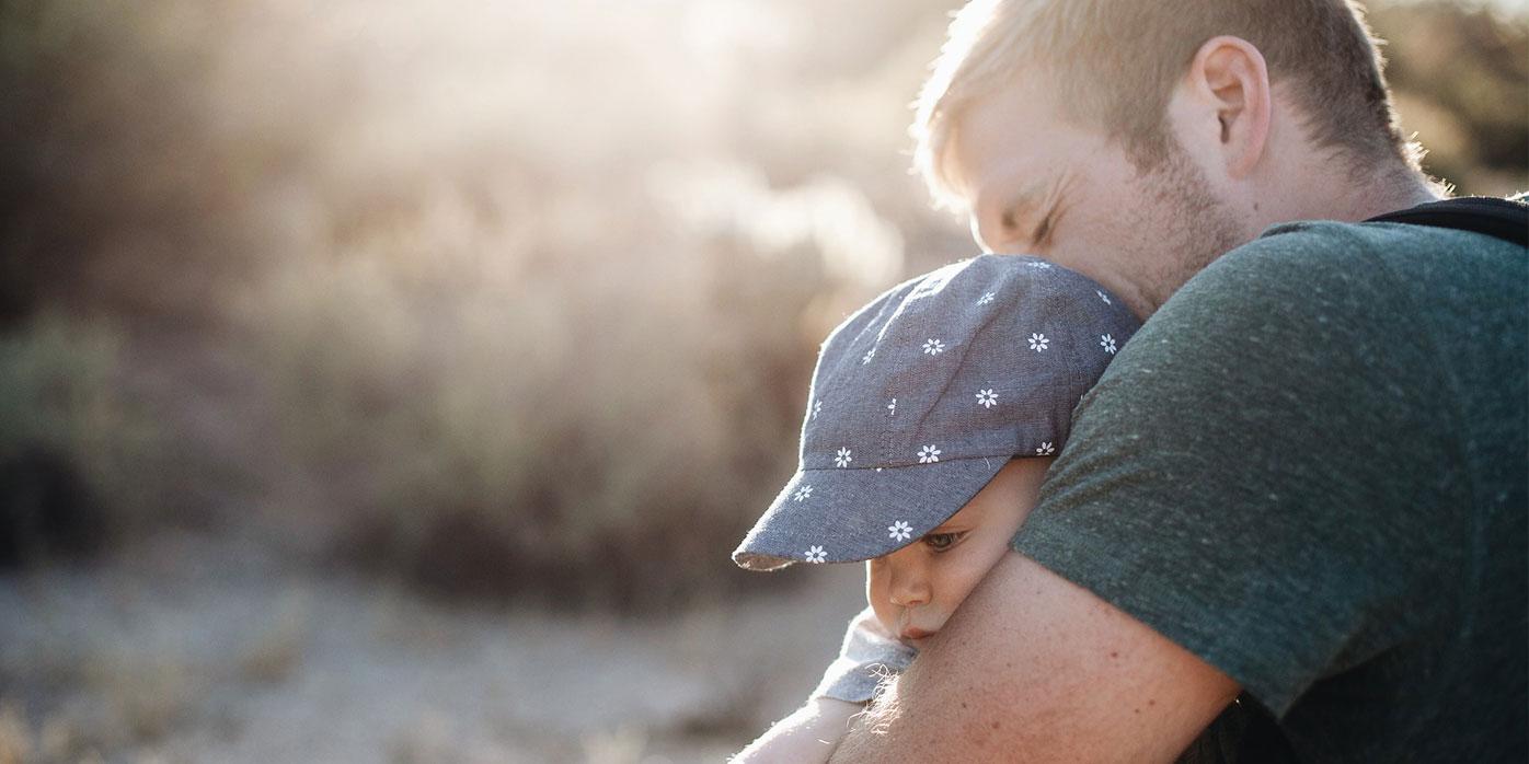 Vater und Kind – Elternzeit in der Karriere