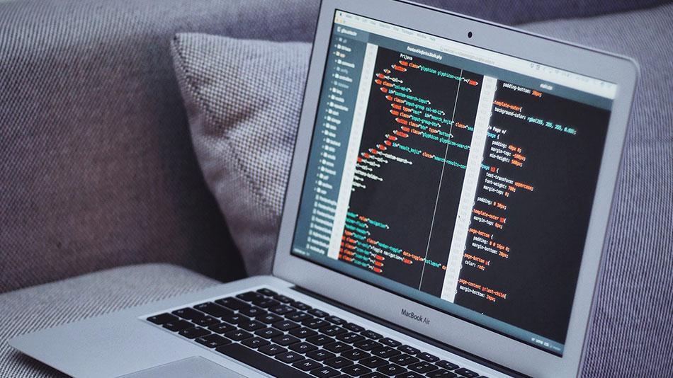 HTML Skript am Laptop